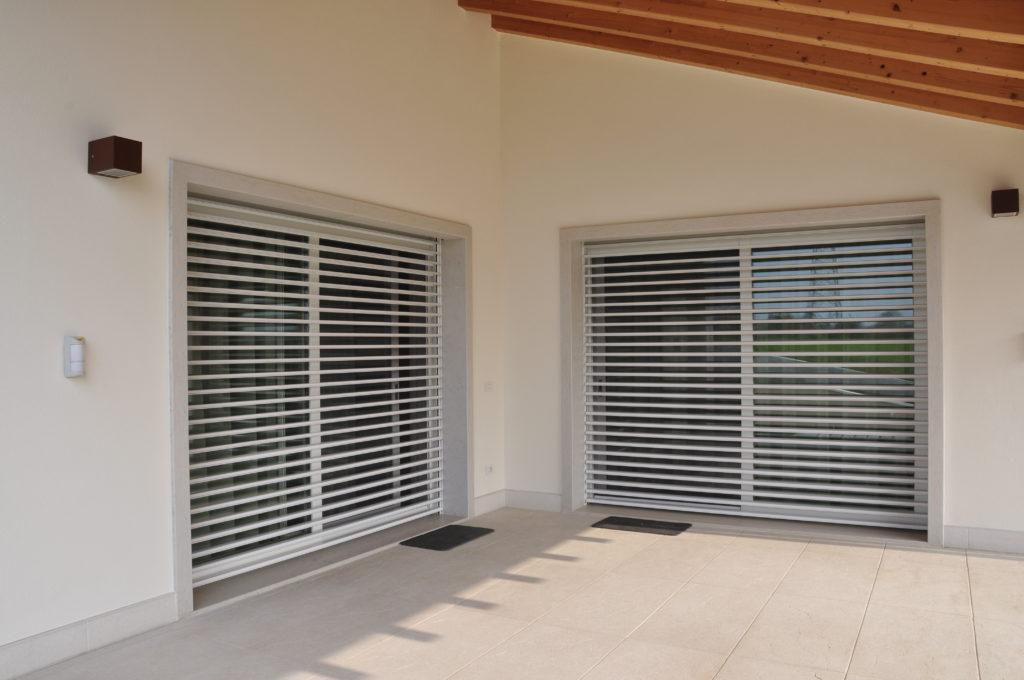 finestre a lamelle orientabili